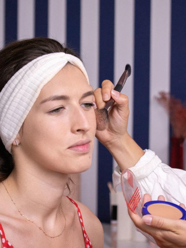 aperçu la poudre compacte Le French Make-up