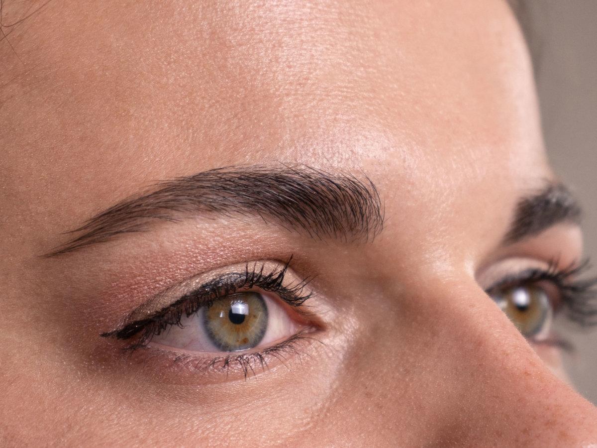 Tuto make-up : Sublimer son regard avec un maquillage nude